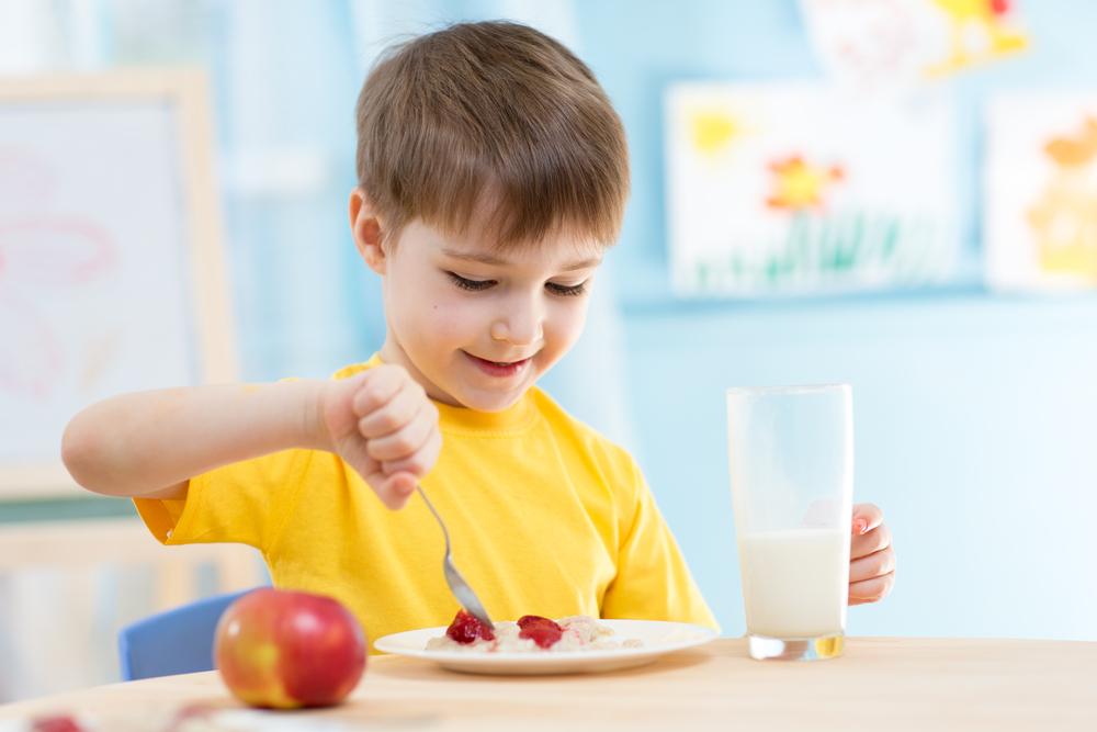 Beragam Alasan Anak Anda Harus Sarapan Pagi